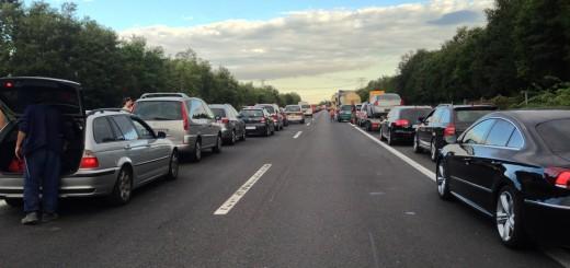 Durchaus selten: Eine funktionierende Rettungsgasse auf der A4